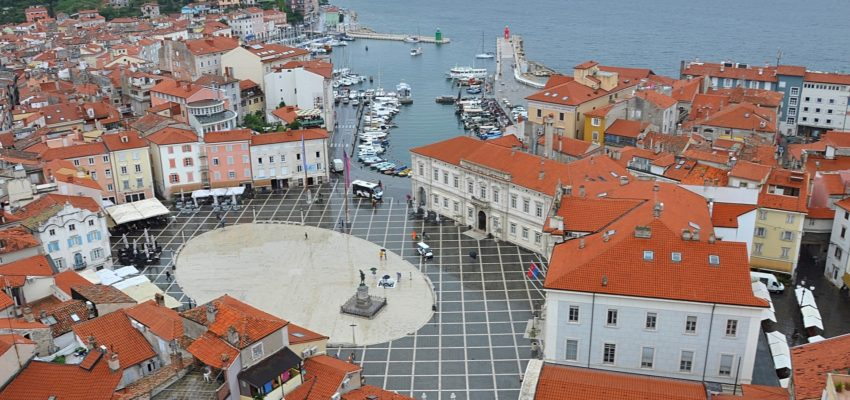 Dear passengers please be informed that due to the event Istrski maraton from 12.4. till 14.4. operation of urban and suburban bus transport Piran will change: